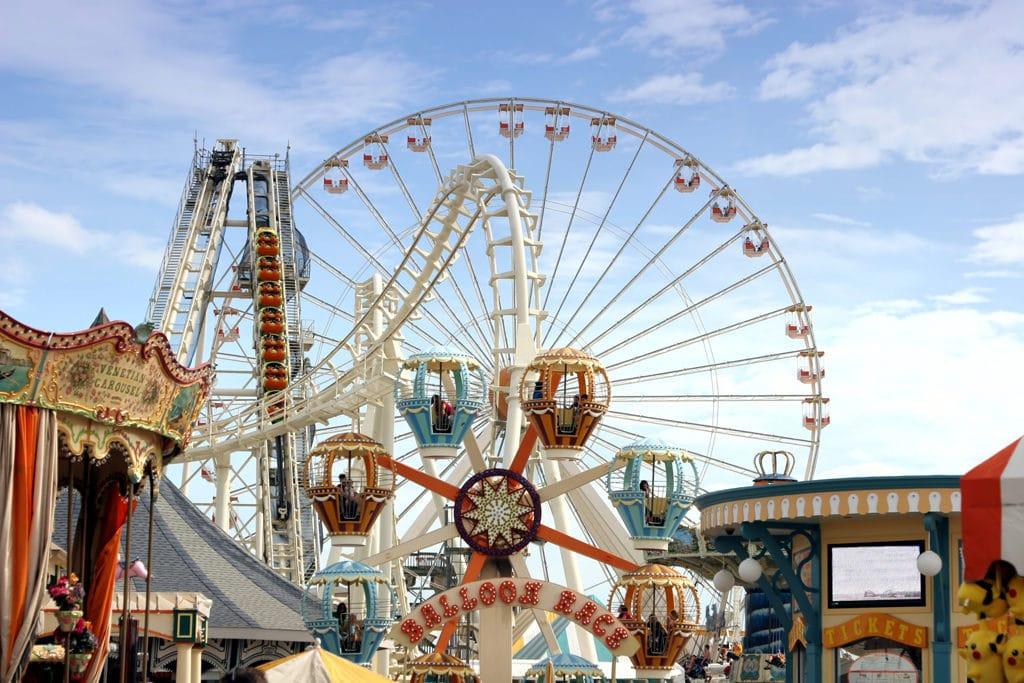 Fantasy Shore Amusement Park bike Tour