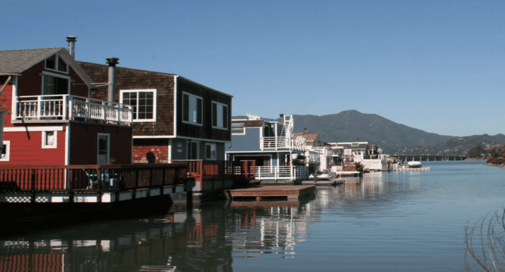 Admire Sausalito houses on the waterfront while on your bike tour.