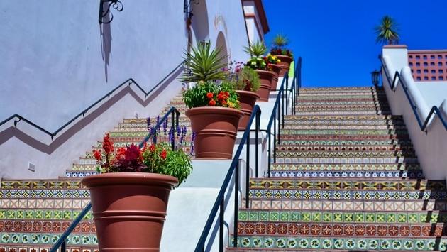 Paseo Nuevo Plaza in Santa Barbara, CA